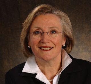 Carolyn Bennett (1950 - )