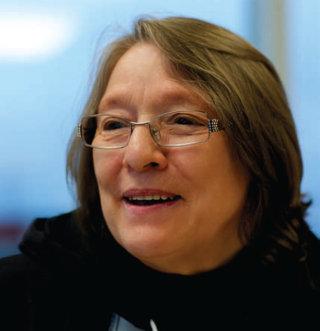 Nellie Cournoyea (1940 - )